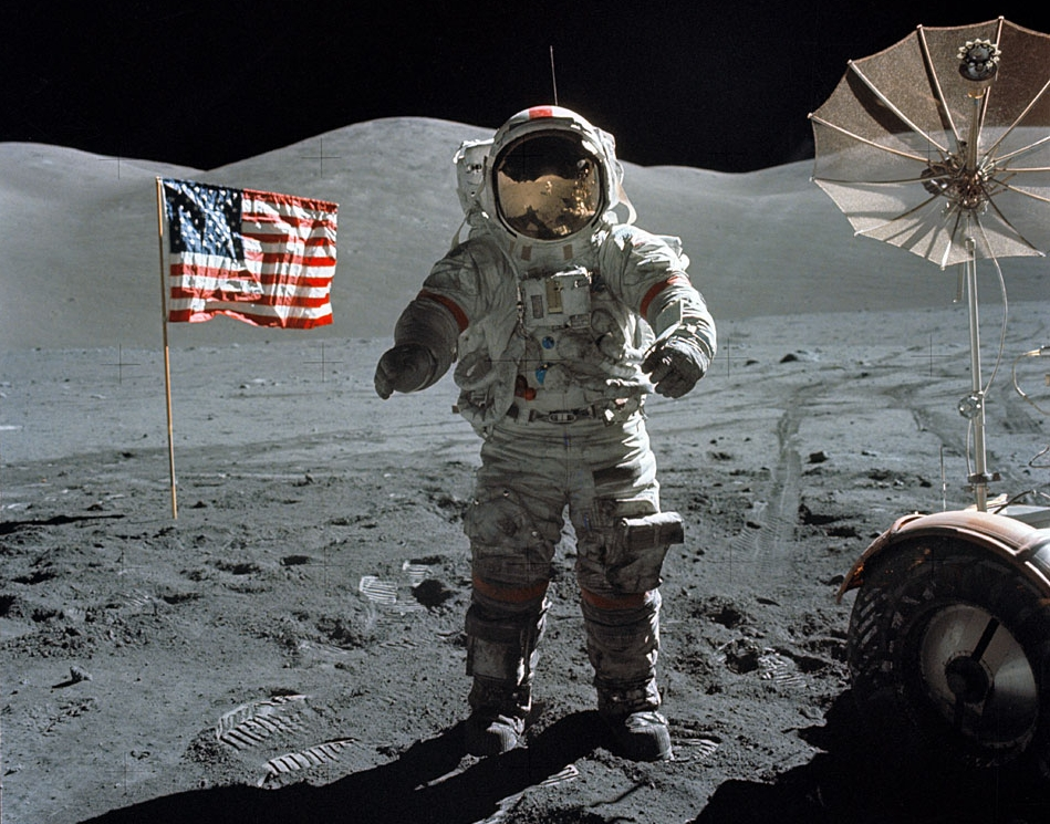 http://www.spacemartgifts.com/Last_Moon_Walk_Apollo17_640x480.jpg